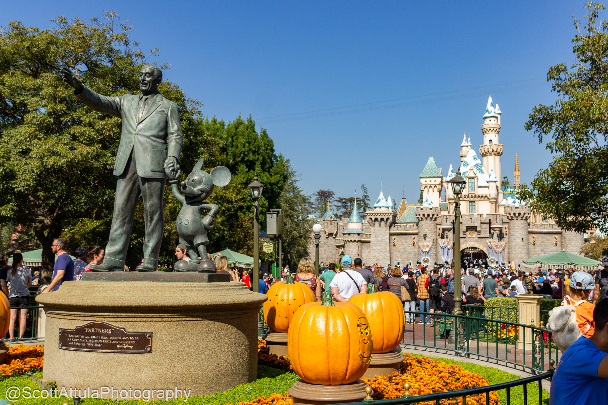 Christmas At Disneyland.Micechat Disneyland Resort Features Disneyland Update