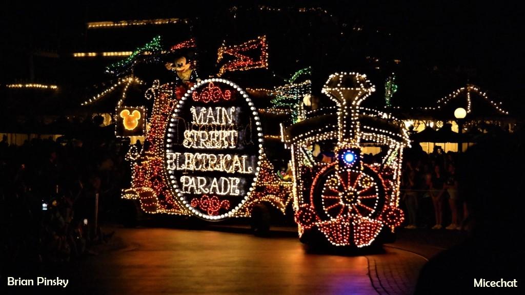 Disneyland Resort Exclusive Main Street Electrical Parade 2019 Popcorn Bucket