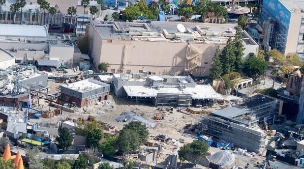 [Disney California Adventure] Avengers Campus (18 juillet 2020) - Page 6 Disneyland-DCA-Cars-Land-Rear-1-e1587967705697